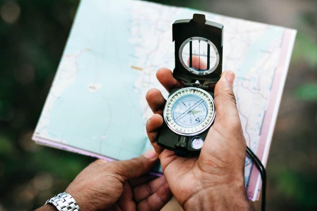 Wandern mit Kompass und Karte macht schon lange niemand mehr.