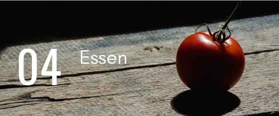 Tomate auf Holz