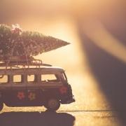 Weihnachtsbaum aud Miniatur-VW-Bus